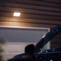 Comparateur de prix Lampe connectable Philips HUE WELCOME Projecteur - Noir